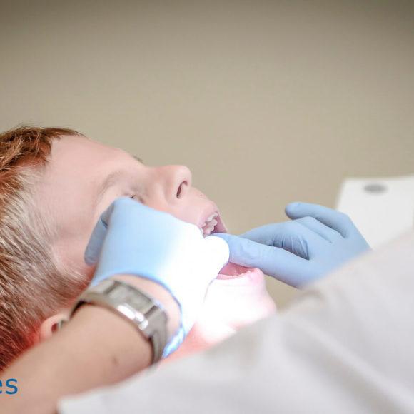 Cuánto cuestan unos brackets y cómo comparar precios de ortodoncia