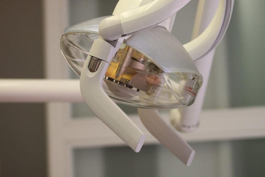 Cómo encontrar un dentista barato y de calidad