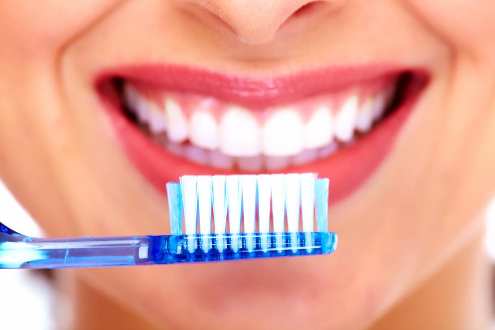 cepillar dientes para tener dientes blancos