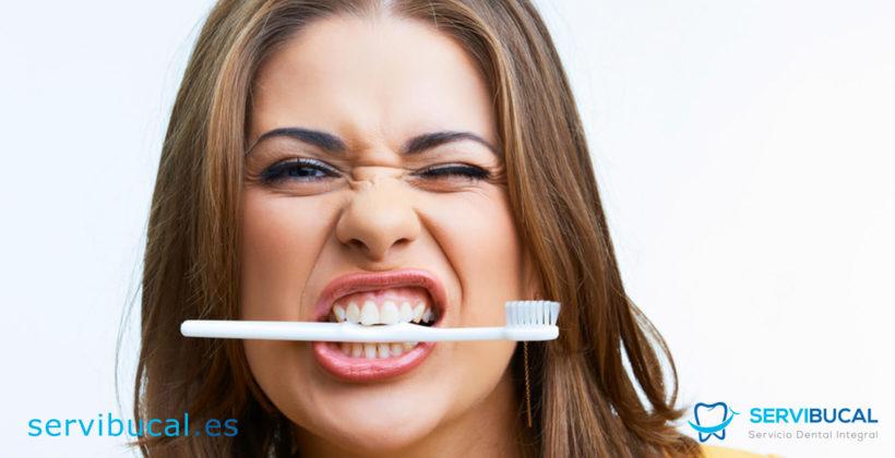 Cómo lavarse los dientes de forma correcta: técnicas para prevenir las caries y otros problemas bucales