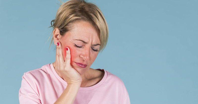 ¿Cómo tratar un flemón dental?
