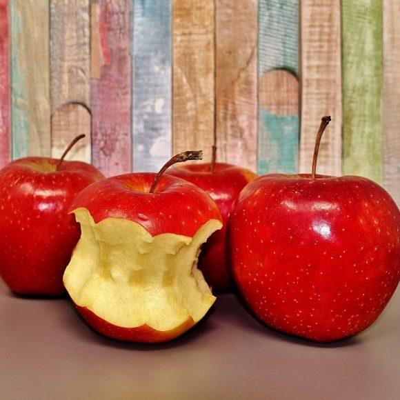 Los alimentos que ayudan a mantener dientes sanos