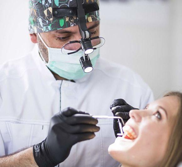 ¿Qué es la incrustación dental?