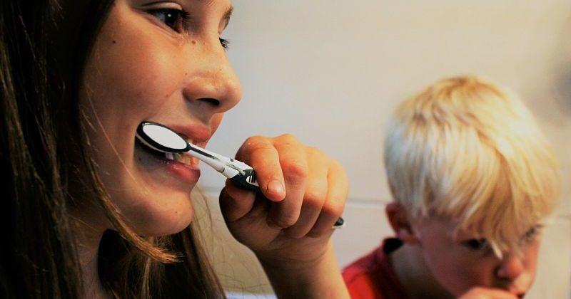 Errores comunes al cepillarse los dientes